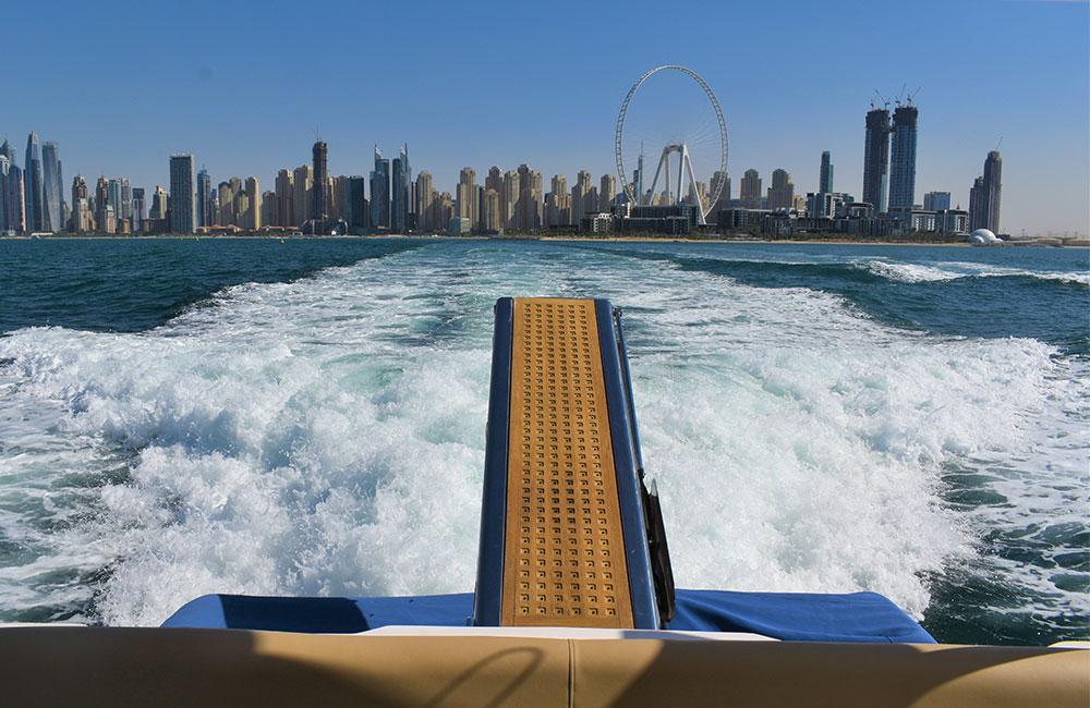 Luxury Yacht Vassia making waves